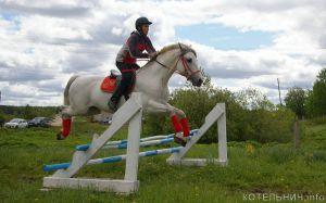 В Котельничском районе прошли соревнования по конному спорту