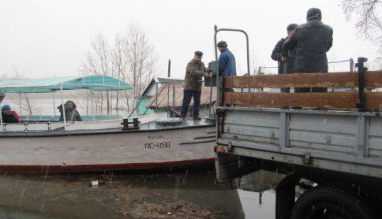 Четверых жителей Затона эвакуировали в город