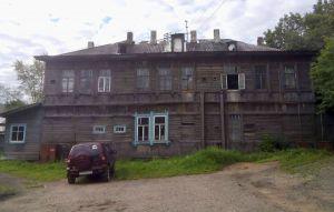 Кировские активисты ОНФ помогают «бесхозному» жилому дому