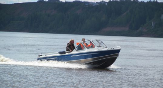 Транспортные полицейские вооружились катером