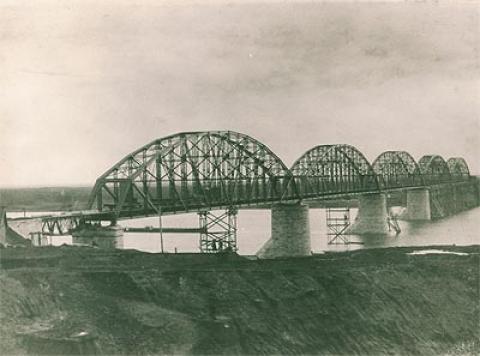 Фотоальбом. Строительство железнодорожного моста через Вятку.